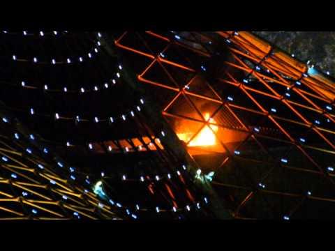Экстрим из Мельбурна: во время фейерверка сгорел шпиль Центра искусств