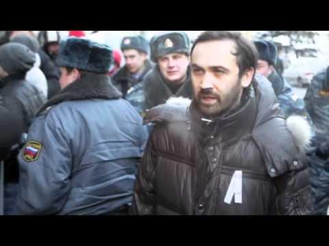 Битва за право на протест: Три драки и порванный ботинок