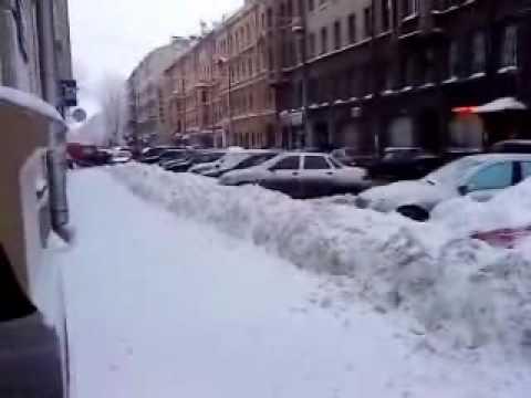 2010 год: Так в Петербурге убирают снег