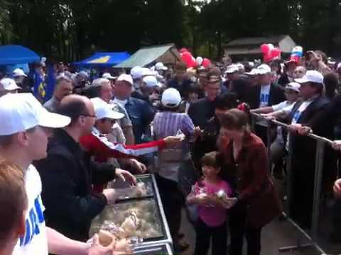 Деградация: Жириновского порвали на эскимо