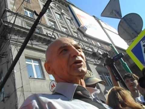Фашисты на Стратегии 31 июля 2012 года: Избиение и арест инвалида