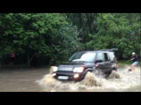 Потоп в Ставрополе: Заезды по лужам