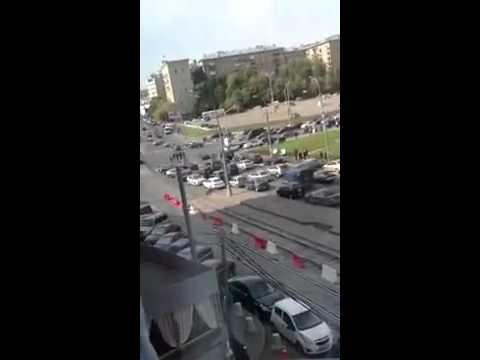 Бойня в Москве: 100 мигрантов закидали ментов камнями и арматурой