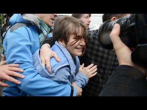 МосПутинСуд о Пусси Риот: Самуцевич — на свободу / Алехина и Толоконникова — на два года в колонию