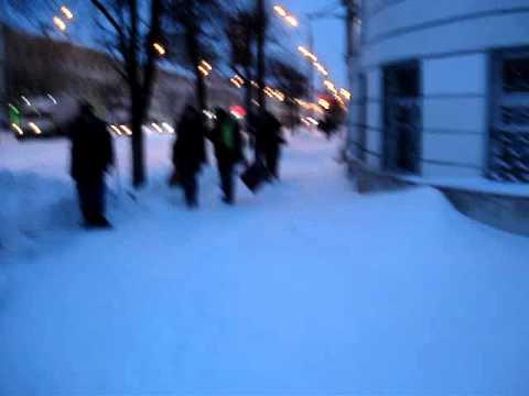 Тверь: Снегопад парализовал город