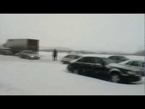 Снегопад всея Руси: Зима снова пришла неожиданно