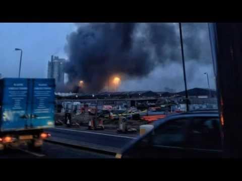 Лондон: Вертолет врезался в подъемный кран Прямой эфир Sky News