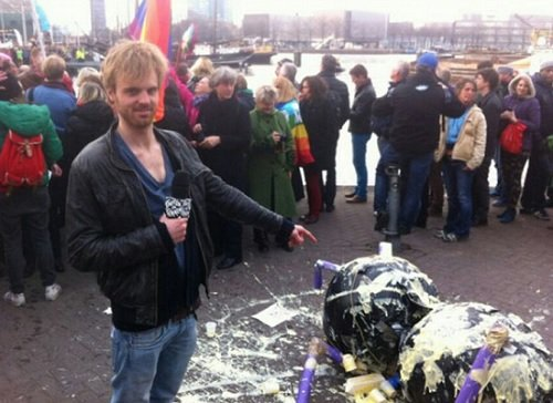 Нидерланды Амстердам: Митинг против Путина 8 апреля 2013 года Прямой эфир / Трансляция
