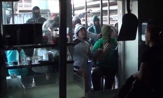Рейдерский захват кафе Хачапури в центре Москвы