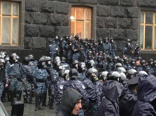 Украина: Бессрочный Евромайдан в Киеве 25 ноября 2013 года Онлайн Трансляция