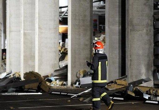 Трагедия в Риге: Разбор завалов в обрушившемся магазине в Золитуде Трансляция