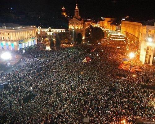 Фашисты Януковича Беркут избивают прессу и людей 1 — 2 декабря 2013 года