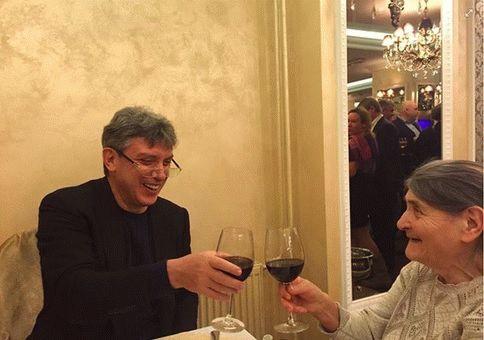 Борис Немцов: День памяти в день рождения 09 октября 2015 года 20:00 Мск Прямой эфир