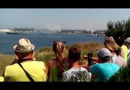 В Севастополе в День ВМФ на корабле взорвалась ракета: В Балтийске ракета чуть было не пришибла Путина