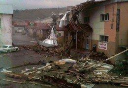 Ураган на Сахалине: Ветер 63 м/с — Шторм затопил порт и улицы 02 октября 2015 года