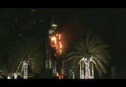 Дубай 31 декабря 2015 года: Горит небоскреб рядом с башней Бурдж Халифа Прямой эфир / Трансляция