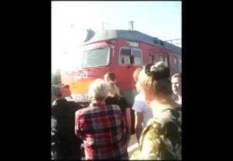 В Кропачево люди остановили поезд чтобы уехать на работу