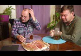 Нападение на дочь Емельяненко обсуждают Лаврентий Августович и его помощник Шурка